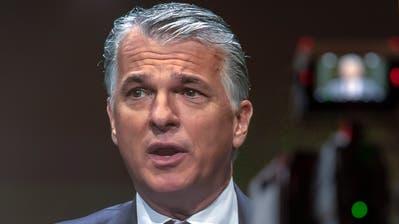 UBS-Chef Sergio Ermotti:Bei keiner Bank steht der Kurszerfall in einem derart eklatanten Gegensatz zur Selbsteinschätzung des Managements wie im Fall der UBS. Bild: Georgios Kefalas/Keystone)