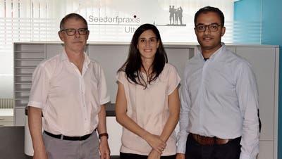 Martin Kläusler übernimmt zusammen mit Jill und Omar Noorin die Gemeinschaftspraxis im Gemeindezentrum. (Bild: Marco Cappellari)
