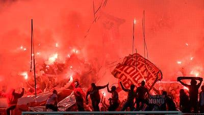 Serbische Presse heizt Fans an