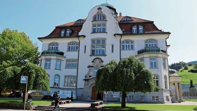 Nach Kündigungen und Beschwerde beim Kanton: Schulbetrieb an Rheinecker Oberstufe ist vorerst sichergestellt
