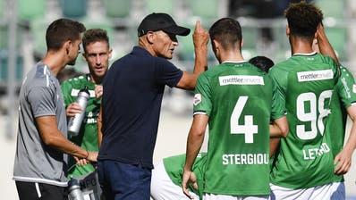 St.Gallens Trainer Peter Zeidler hatte der stark schwächelnden Mannschaft die richtigen Mittel für das Spiel gegen den FC Lugano verabreicht. (Bild: Keystone/Gian Ehrenzeller)
