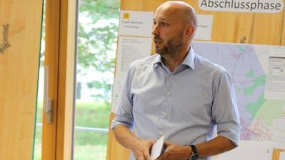 Markus Bürgi, Stettfurter Gemeindepräsident, lässt die abgeschlossene Glasfasererschliessung Revue passieren. (Bild: PD)
