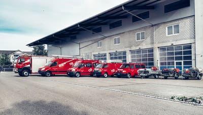 Die Feuerwehr Lauchetal mit ihren Fahrzeugen beim Depot in Affeltrangen. (Bild: PD)