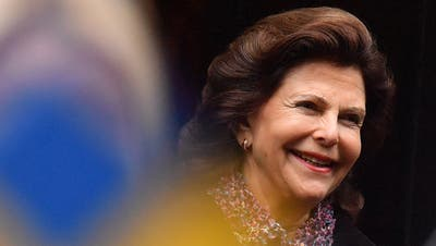 Königin Silvia scheut den Kontakt mit den Bürgern nicht. (KEYSTONE/DPA/Hendrik Schmidt)