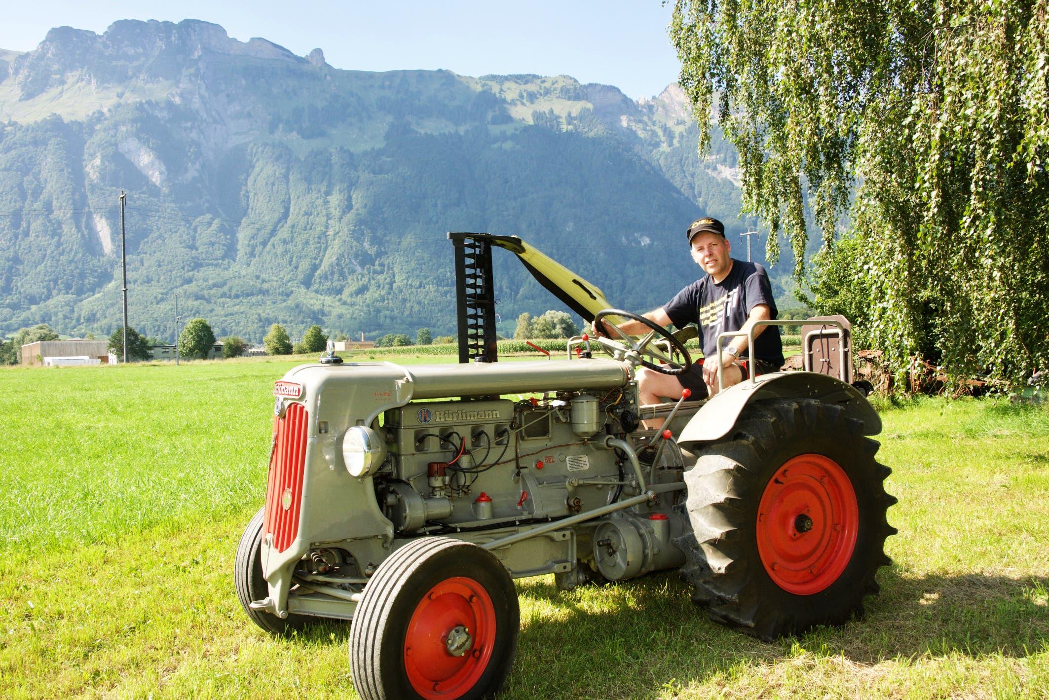 Dieser Hürlimann ist Roman Bergers Stolz. Es ist der erste Traktor, der 1952 in Salez eingesetzt wurde.