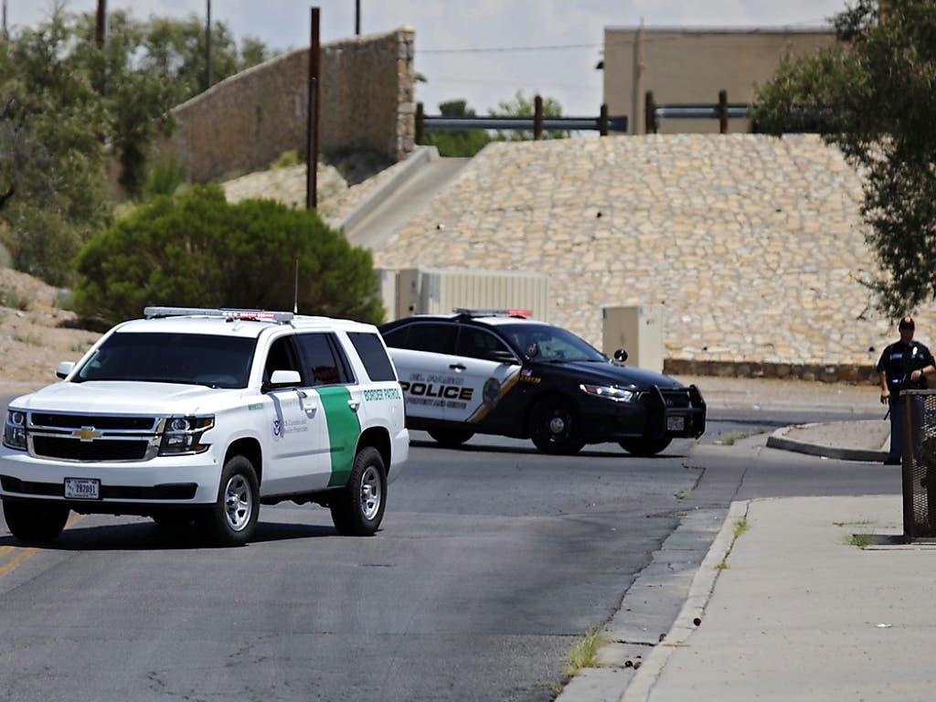 Schüsse im Einkaufszentrum: Schwerbewaffnete Einsatzkräfte vor dem Walmart. (Bild: KEYSTONE/EPA/IVAN PIERRE AGUIRRE)