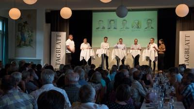 Die Diskussion mit den Kandidaten Felix Bischofberger, Felix Wüst, Michael Fitzi, Rossano Sarcinella und Werner Reifler lockte über 400 Besucher in den «Ochsen» nach Thal. (Bild: Lisa Jenny)