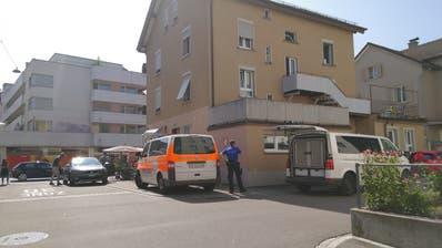 In diesem Haus an der Badstrasse hatte sich der Mann verschanzt. (Bild: Leserreporter)