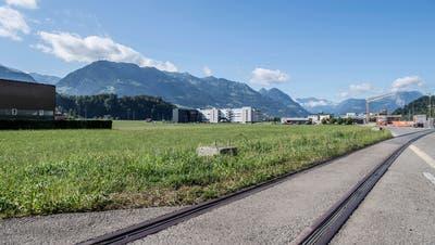 Die Landparzelle in Kägiswil, welche der Kanton Nidwalden gekauft hat. (Bild: Nadia Schärli, 30. Juli 2019)
