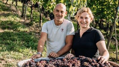 Das Winzerehepaar Urs und Nicole Haag. (Bild: PD)