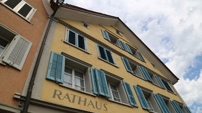 Fünf Kandidaten wollen die Nachfolge von Röbi Raths antreten und ins Thaler Gemeindehaus einziehen. (Bild: Jolanda Riedener)