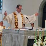 «Habe mich von allen getragen gefühlt»: Pfarrer Roman Giger füllt ein letztes Mal die Kirche in Wil