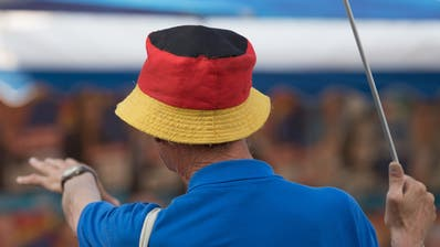 Die AfD gibt im Osten zukünftig den Takt mit an. Das Foto wurde bei einem Wahlkampfevent in Görlitz gemacht. (Bild: S. Kahnert/Keystone)