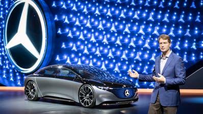 Ola Källenius präsentiert die Zukunftsstudie Vision Mercedes EQS. Bild: zvg