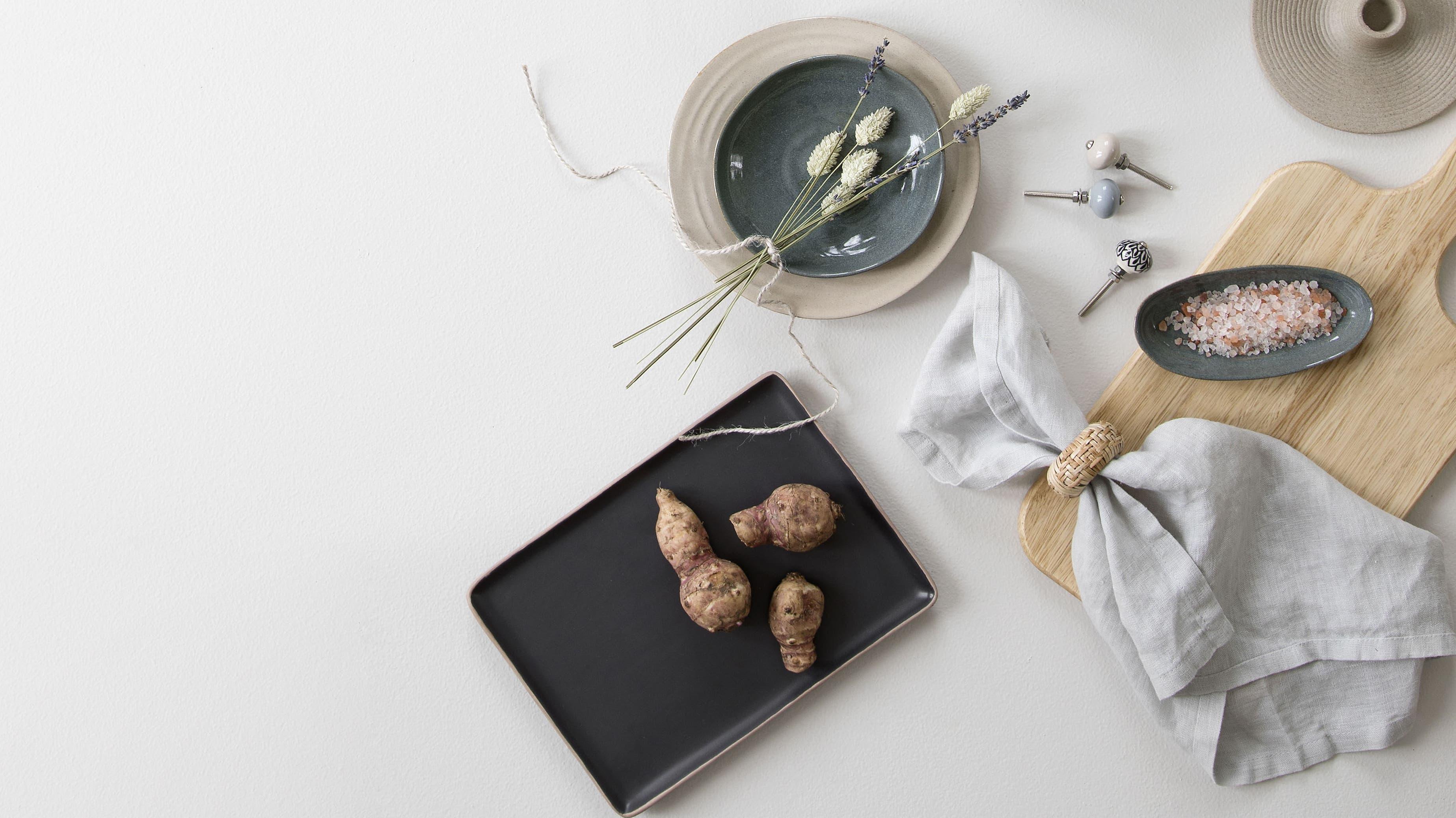Das dänische Label Søstrene Grene ist für seine reduzierten Formen bekannt. Auch hier: nichts Plastik, alles Natur. Bild: zvg