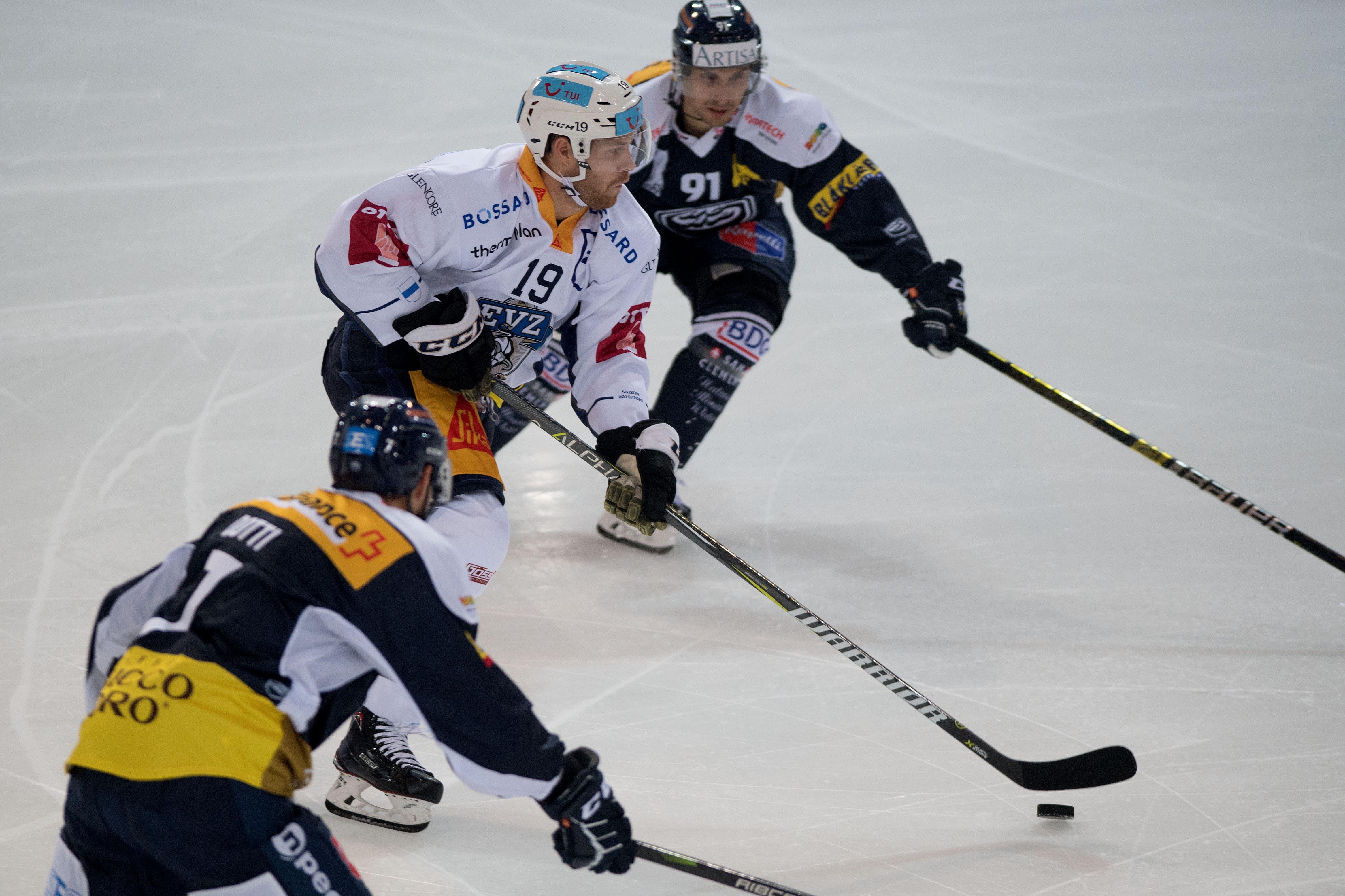 Der Schwede überzeugte vor allem durch seine Spielübersicht und Bullystärke. (Bild: Samuel Golay/Keystone, Ambri, 13. September 2019)