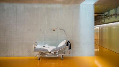 Wie viele Spitalbetten wird es künftig im Kanton St.Gallen noch geben? (Bild: Urs Bucher)