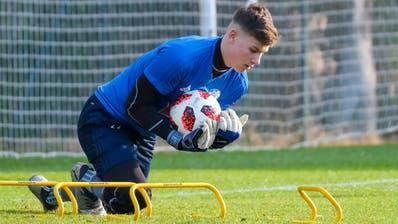 Der 19-jährige Torhüter Loïc Jacot während einem Training mit der Mannschaft der FCL-Profis. (Bild: Martin Meienberger/Freshfocus, Marbella/Mijas, 12. Januar 2019)
