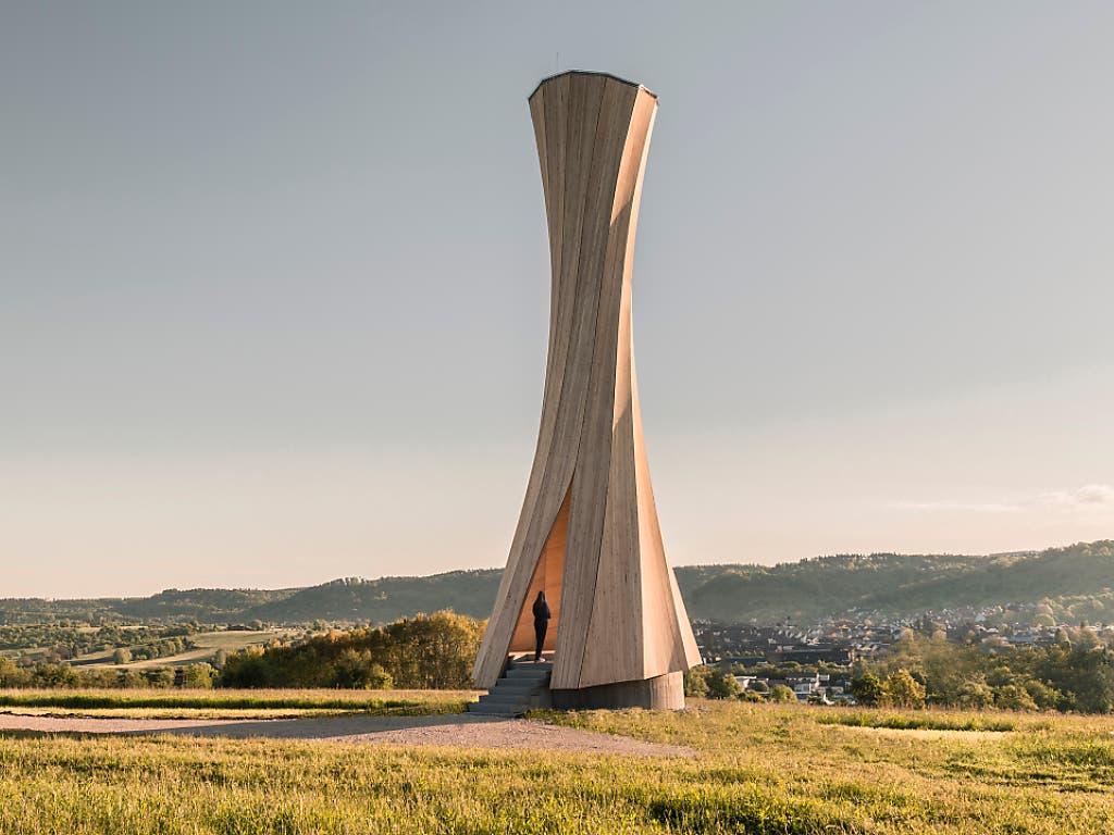 Der «Urbach Turm» im Remstal bei Stuttgart ist das erste Holz-Bauwerk aus grossen, sich selbst formenden Bauelementen. (Bild: ICD/ITKE University of Stuttgart)