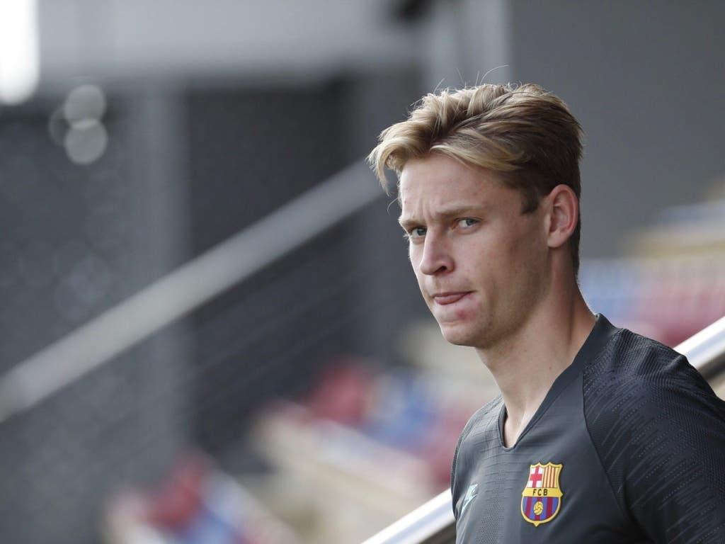 So zog es etwa Mittelfeldspieler Frenkie de Jong zum FC Barcelona (Bild: KEYSTONE/EPA EFE/ALEJANDRO GARCIA)