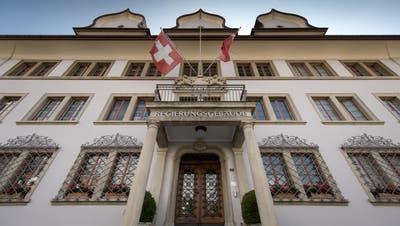 Aussenansicht des Regierungsgebäudes an der Bahnhofstrasse in Schwyz,. Das Bild entstand am Dienstag, 03. September 2019.Bild: (Pius Amrein / LZ)Politik, Gebäude, Architektur