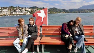Den Weg von Weggis nach Luzern legen sie mit dem Schiff zurück. Dort ist auch gleich das erste Fotoshooting angesagt. (Bild: PD, 19. September 2019, Luzern)