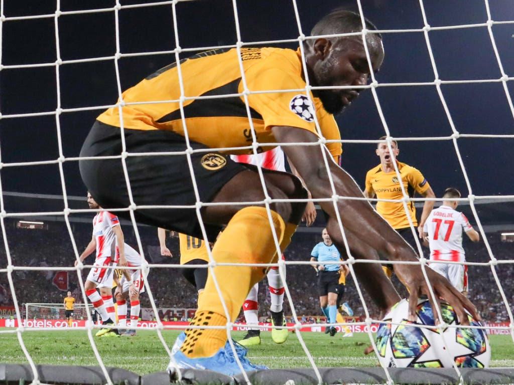 Enttäuschung in Belgrad, Vorfreude auf die Europa League: YBs Nicolas Moumi Ngamaleu (Bild: KEYSTONE/THOMAS HODEL)