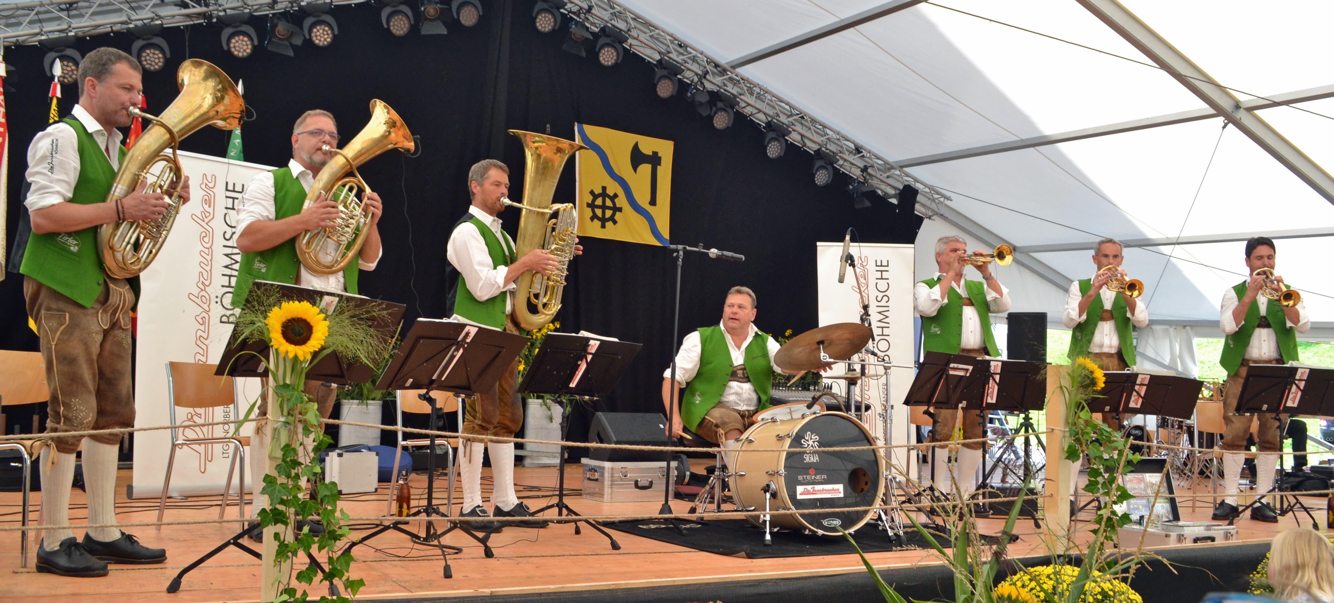 Die Innsbrucker Böhmischen begeisterten das Publikum am Sonntagnachmittag. (Bild: Peter Jenni)