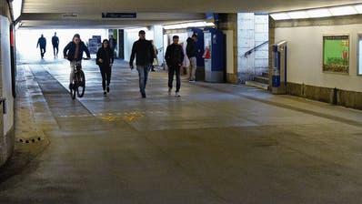 Pöbeleien, Schlägereien, Verletzte: Am Bahnhof Wil fühlen sich viele unwohl - was Stadt und SBB dagegen tun