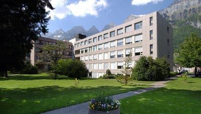 Die Zukunft des SpitalsWalenstadt ist ungewiss. (Bild: Hanspeter Schiess)