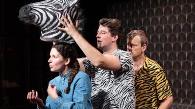 Herdentiere, die manchmal etwas ausscheren: Barbara Heynen, Diego Valsecchi und Herwig Ursin auf der Tuchlaube-Bühne. (Bild: Andreas Zimmermann)