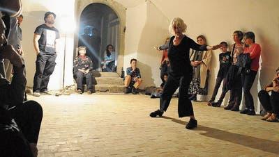 Nelly Büttikofer tanzte in einem Keller an der Hauptgasse. (Bild: Michael Hug)