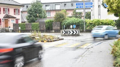 Der provisorische Kreisel am Knoten Winterthurerstrasse/Q20 wird mit der Umgestaltung der Winterthurerstrasse nun doch durch einen grösseren Kreisel ersetzt. (Bild: Roman Scherrer)