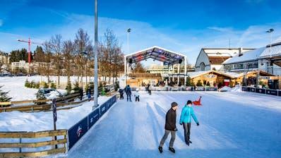 Zügelt einige hundert Meter nach Nordosten: Das Eisfeld des «St.Galler Eiszauber» wird neu auf dem Veranstaltungsplatz zwischen Reit- und Sporthalle aufgebaut. (Bild: Urs Bucher, 18. Januar 2019)