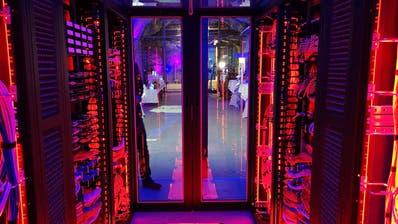 Ein Blick in das Rechenzentrum im Versuchsstollen Hagerbach. (Bild: PD)