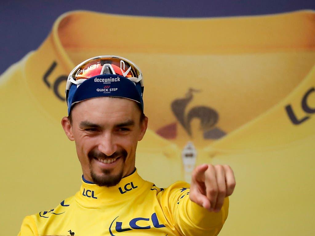 Julian Alaphilippe, hier im Maillot Jaune der Tour de France, könnte seine Saison an den Weltmeisterschaften krönen (Bild: KEYSTONE/EPA/GUILLAUME HORCAJUELO)