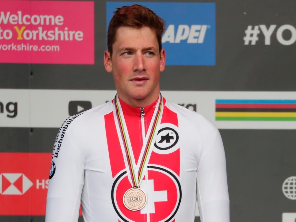 Stefan Küng gewinnt im WM-Strassenrennen in England sensationell Bronze (Bild: KEYSTONE/AP/MANU FERNANDEZ)