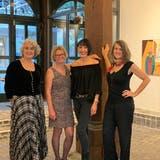 Die vier Zuger Künstlerinnen (von links): Lilian Putincanin, Ursula Hotz, Andrea Bösiger, Brigit Weiss. (Bild: PD)