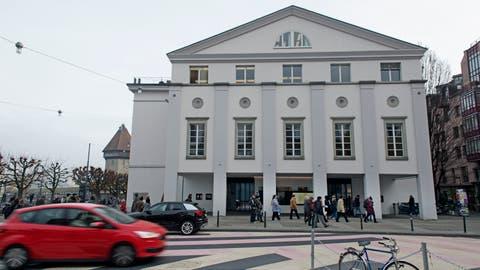 Das Luzerner Theater: Künftig soll der Kanton 10 Prozent weniger, die Stadt dafür 10 Prozent mehr an dessen Betriebskosten zahlen. (Bild: Corinne Glanzmann, 29. November 2018)