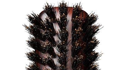Geschniegelt und gestriegelt– das Geheimnis von gepflegtem Haar ist eine gute Bürste