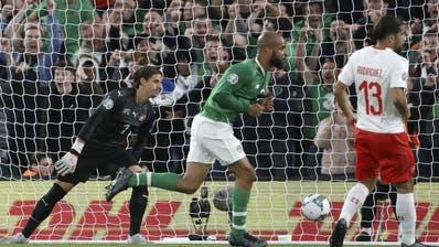 Ein Hauch von Verzweiflung. Torhüter Yann Sommer nach dem Tor der Iren zum 1:1. (Bild: AP Photo/Peter Morrison)