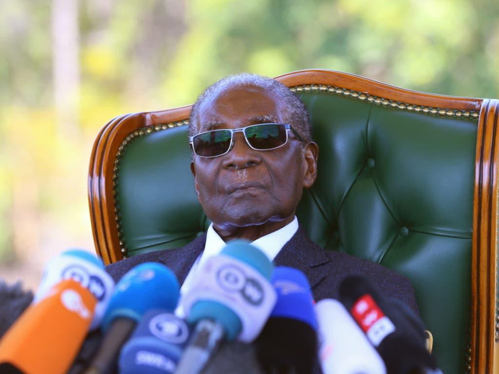 Der ehemalige Präsident von Simbabwe, Robert Mugabe, ist im Alter von 95 Jahren gestorben. (Bild: KEYSTONE/EPA/AARON UFUMELI)