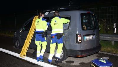 Der Rettungsdienst brachte die Personen ins Spital. (Bild: Kapo)