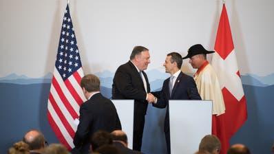Aussenminister Mike Pompeo, links, und Bundesrat Ignazio Cassis, beim Besuch des Amerikaners im Juni in Bellinzona. (Bild: KEYSTONE/Ti-Press/Samuel Golay, 2. Juni 2019)