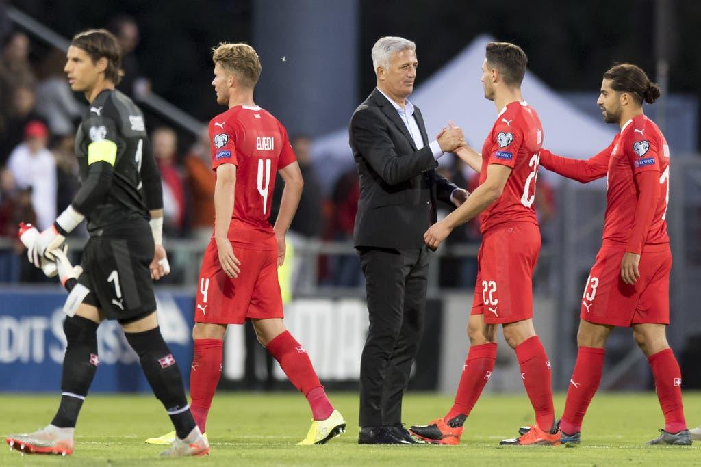 Vladimir Petkovic und die Schweizer Nati erfüllen die Pflicht. (Bild: Keystone)