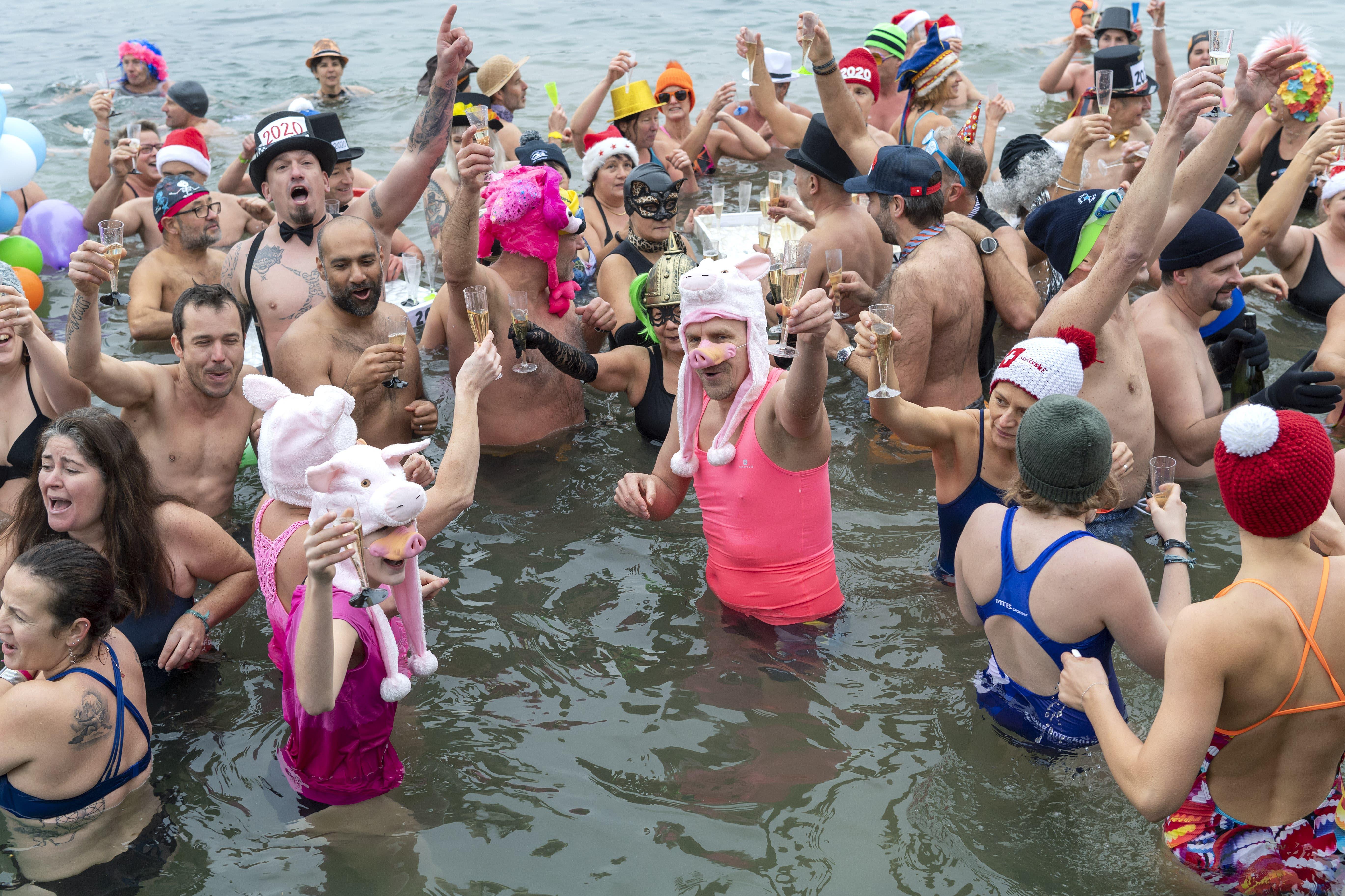 Neujahrs-Schwimmen in Genf.