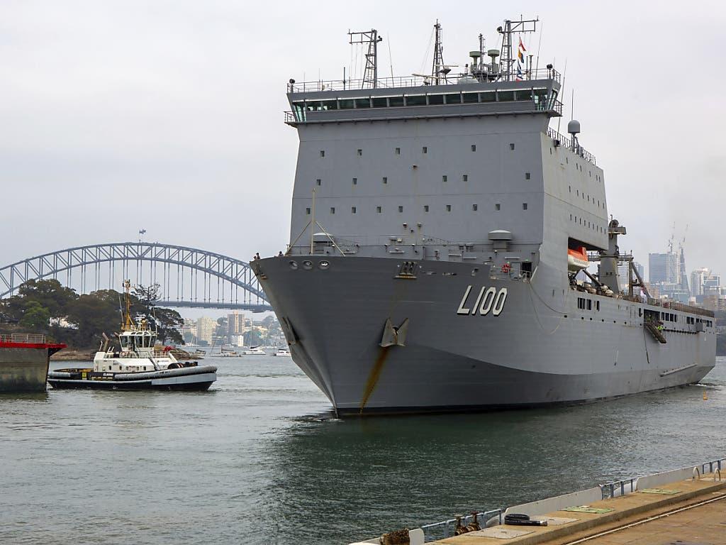 Das australische Militär verlegt Marineschiffe in die Nähe von Brandgebieten an der Ostküste des Landes.