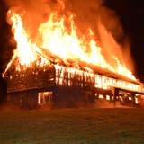 Die Ermittlungen zum Scheunenbrand in Waldstatt laufen seit dem verheerenden Feuer vom 27. Dezember. (Kapo AR)