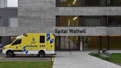 Die Zukunft des Spitals Wattwil gibt zu reden. (Bild: Ruben Schönenberger)