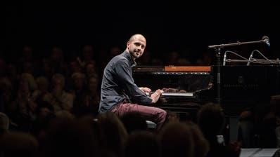 Der Pianist Claude Diallo vernetzt Jazzmusiker in der Ostschweiz. ((Bild: PD))